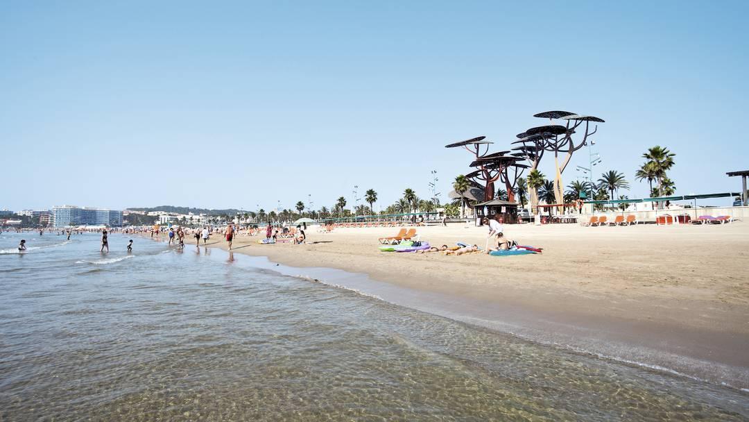 пляжи Ла Пинеда